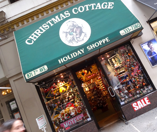 Christmas-Cottage-New-York-Blog-Salon-Stories-15